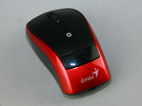 滑鼠掛著筆電跑:Genius Navigator 905BT