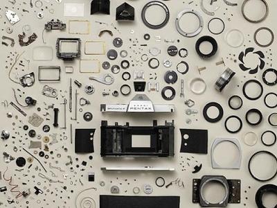 相機、汽車、古早科技產品的細部分解和大爆炸圖,好壯觀啊!