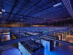 用 Google 街景參觀自家資料中心,不僅壯觀、還藏了星戰梗