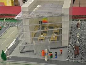 10座用樂高積木拼出來的 Apple Store,到底有多像?你來看一看
