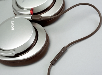 Sony MDR-1R:對應行動裝置的全方位耳機,適用音樂類型廣泛