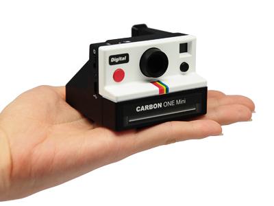 這不是玩具!縮小版拍立得數位相機 CARBON one mini 好好玩