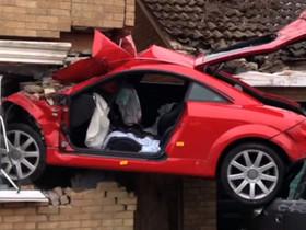 邊開車邊講手機很危險!但駕駛「陷入沉思」比使用手機還致命!