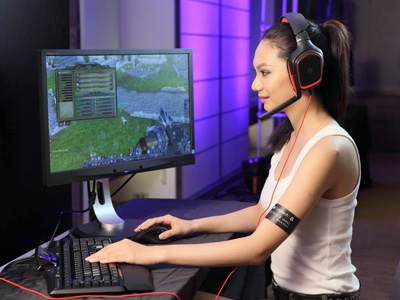 Logitech 發表新款 G 系列遊戲周邊,G700s滑鼠、G19s鍵盤、G430耳機登場