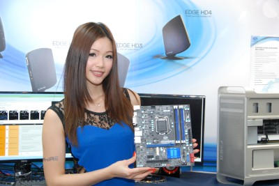 Computex 2013:藍寶雙核心顯卡 ATOMIC HD 7990 玩水冷