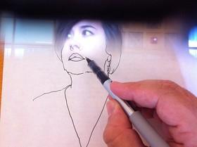 有了 NeoLucida ,就算沒有學過繪畫,你也能成為素描大師