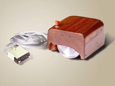 「滑鼠之父」Doug Engelbart  辭世