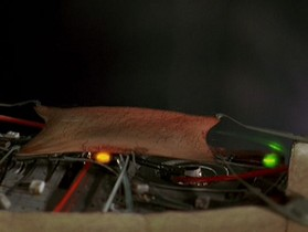 我們離人造Girl又近了一步!能檢測觸摸、溫度、濕度的電子皮膚感應器問世