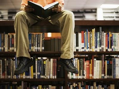 電子設備包圍下,青少年是否還能愛上讀書?