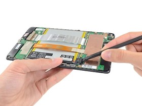 Nexus 7 拆解秀,電池變小續航力變長