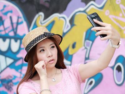 日系美少女、完全逆光解決、正妹拍照必備!手機拍照 8 大技巧   T客邦