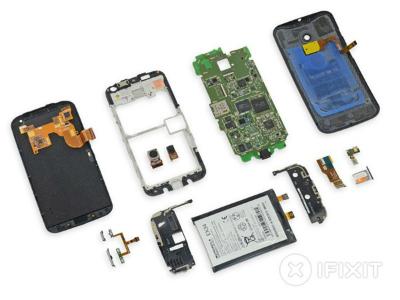 Moto X 拆解:比多數一體成型機器更易維修
