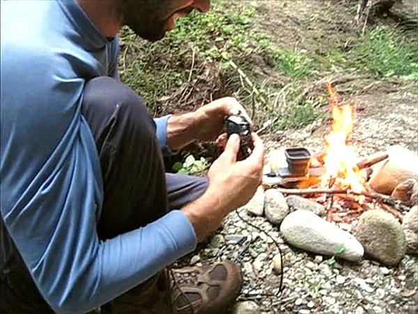 普羅米修斯再出動!看 FlameStower 用火幫手機充電
