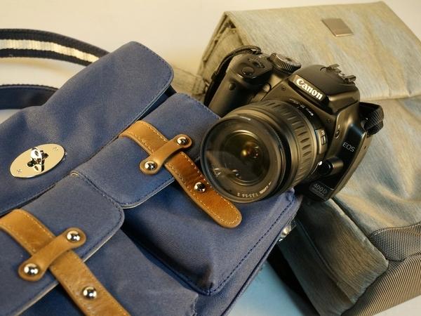 機能系或文青風,兩款隨身單眼相機包試用評測