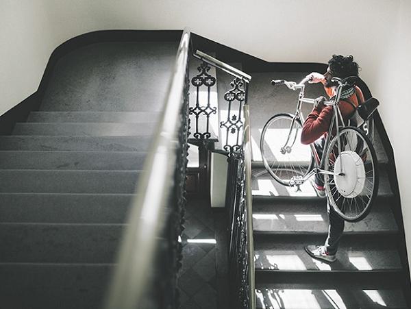 智慧型電動後輪 FlyKly Smart Wheel,讓你的自行車馬上變電動車