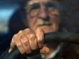 比起商業競爭,人口老齡化問題更能推動自動駕駛技術的普及