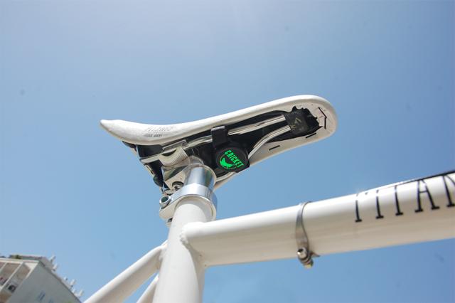 結合手機 App 的 Cricket 單車防盜器,機車或任何私人物品也都適用!