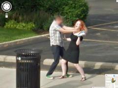 Google 街景車拍到最瘋狂的畫面精選影片:路邊接生、Live搶劫、微風門口爬行小孩全入鏡