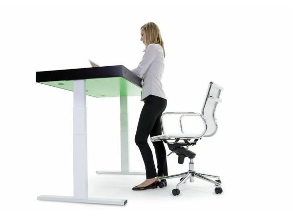3890美元的辦公桌 Stir Kinect 用智慧型升降讓你上班時間動一動