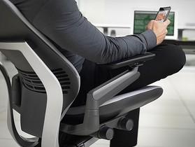GESTURE:為iPad時代設計的人體工學椅