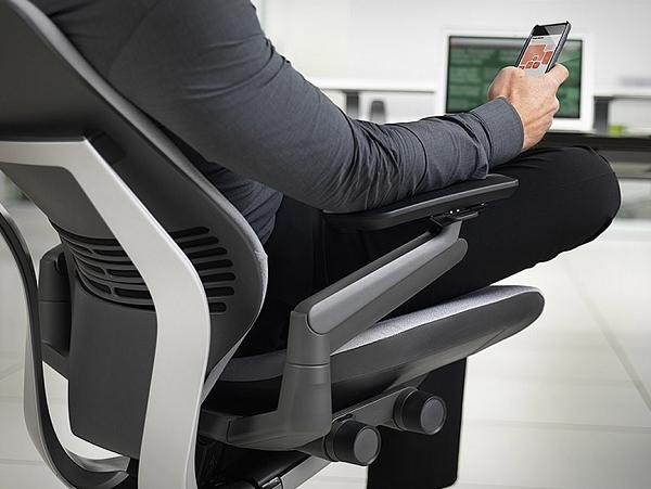 GESTURE:為iPad時代設計的人體工學椅   T客邦