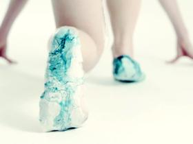 利用原始細胞列印一雙可再生、自我修復的跑鞋