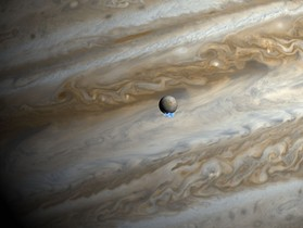 哈柏望遠鏡發現木衛二噴發出水蒸氣!