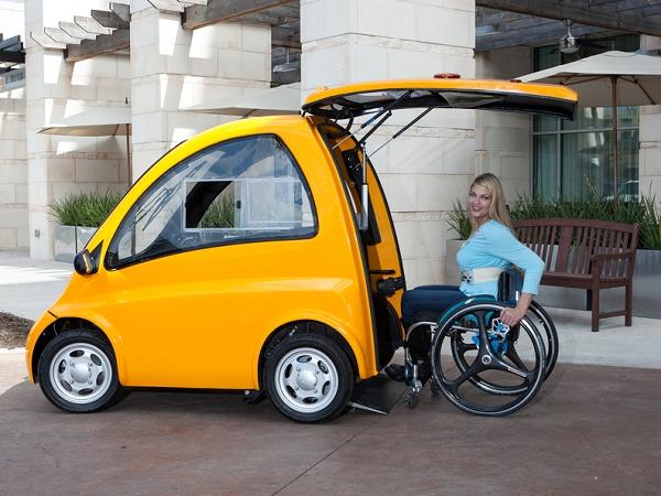誰說坐輪椅不方便出行?Kenguru 讓你開著車出門