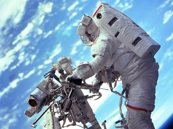 恭賀地心引力奪奧斯卡獎 ,NASA 公開系列太空攝影作品