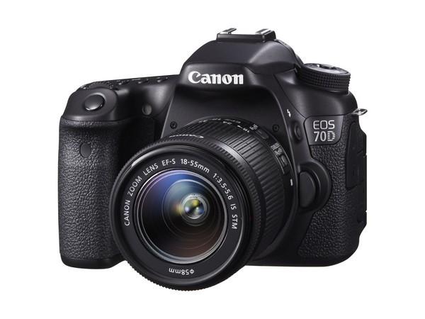 Canon慶祝連續11年在全球可交換鏡頭數位相機市場取得市佔率第一的傲人成績!