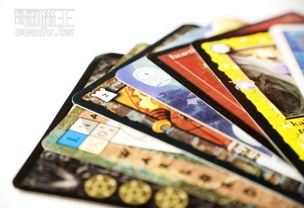 收藏與娛樂,卡牌遊戲解析:精美畫風、抽卡的驚喜,風靡20年的不敗遊戲