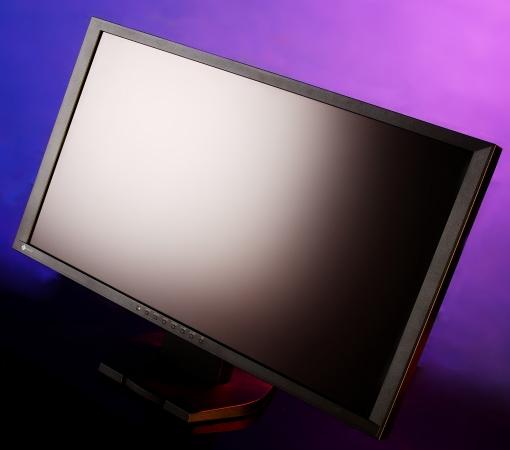 專業顯示器 EIZO 所推出遊戲娛樂用的 FORIS FG2421,給玩家的體驗再升級