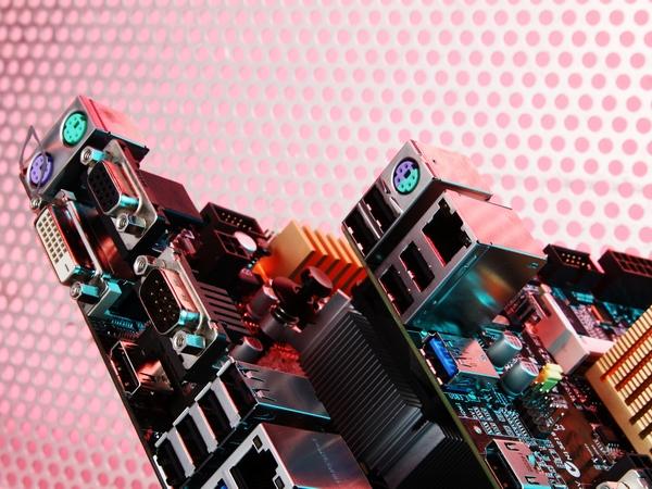 Mini-ITX主機板採購原則:先挑晶片、次看用料、後看功能