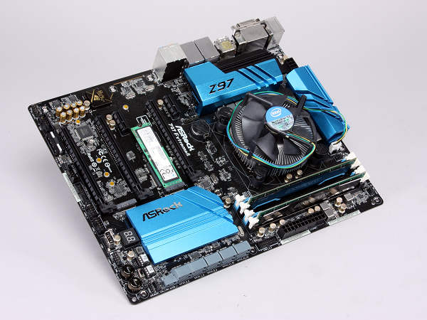 ASRock Z97 Extreme6 主機板獨創 Ultra M.2,搭固態硬碟實測速度破 1GB/s