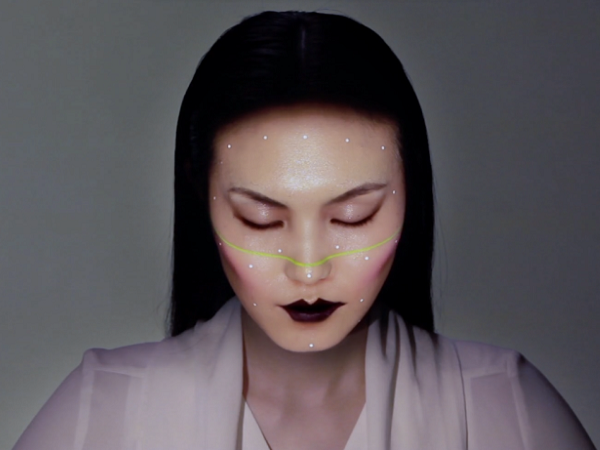 震撼人心的 CGI 3D 即時投影化妝術,每分每秒都能變臉