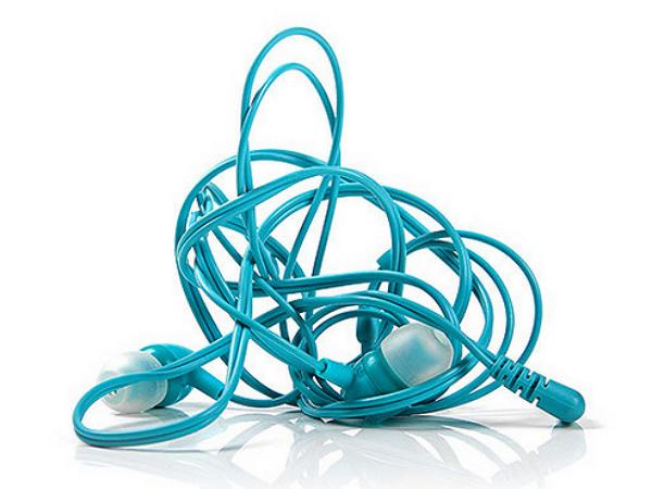 融入拉鏈元素!號稱不會糾纏線身的耳機 SLIDE! | T客邦