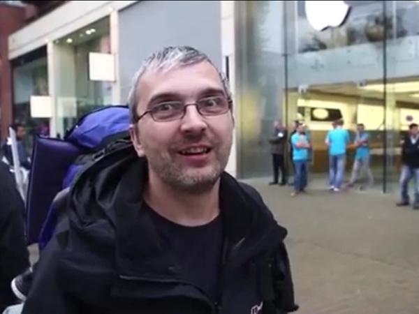 這個男人排隊44小時買 iPhone 6,只為了挽回他老婆