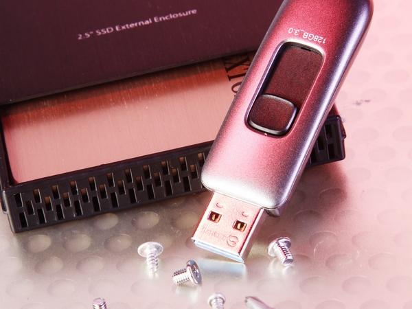土砲自組 USB 3.0 隨身碟,固態硬碟挑選門道解析