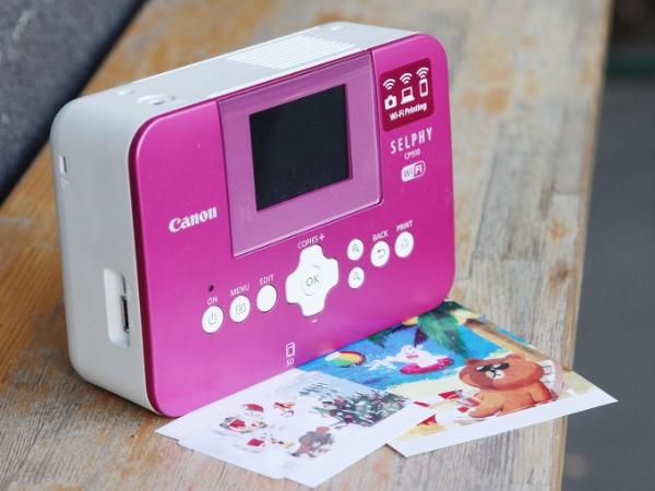 迷你相片印表機這樣玩:手機相片無線傳、內建美顏模式、還能製作明信片、卡貼