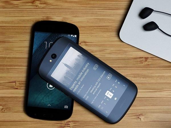 俄羅斯發表正反雙觸控螢幕智慧型手機 YotaPhone 2