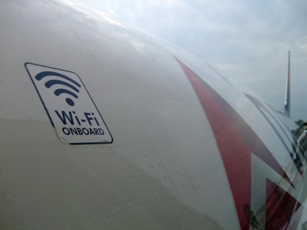 飛機上用 Wifi 要注意:上傳一個簡報檔,瀏覽115張網頁,帳單竟要新台幣三萬多元!