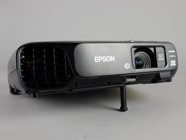Epson 入門3LCD投影機 EH-TW570 評測,可投影 120 吋大畫面
