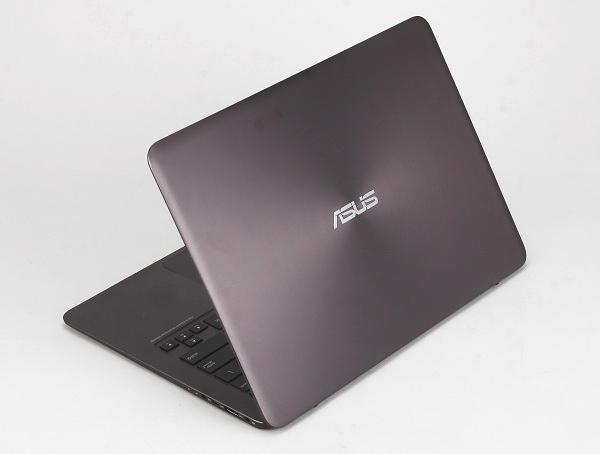 向 MacBook Air 致敬,Asus Zenbook UX305 帶來高解析度、輕薄、長效的機動性