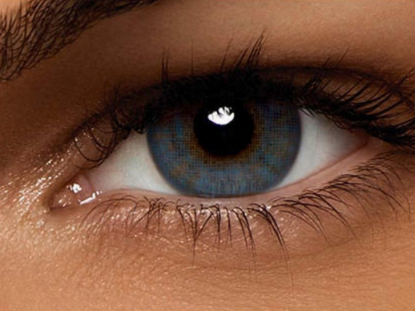 瑞典發明變焦隱形眼鏡,所見影像 放大/正常 自由切換