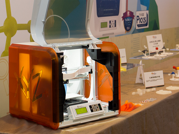 XYZprinting再推好便宜的3D列印機, da Vinci Jr. 1.0 入門價格僅9,999元台幣