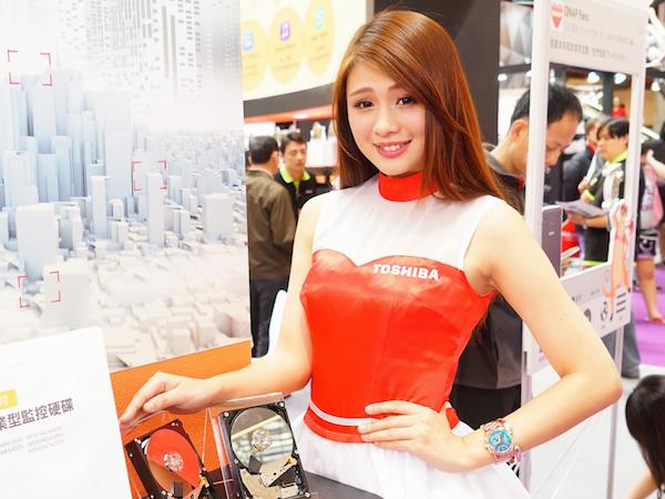 2015 春電 ShowGirl:Toshiba & QNAP 展場SG直擊
