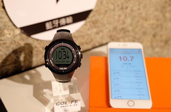 Papago 進軍運動市場!推出平價三鐵 GPS 運動錶 GoWatch 820i
