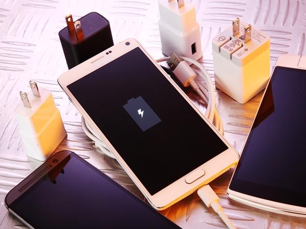 Samsung、OPPO、Sony、HTC手機都有快充,四家產品充電有多快,怎麼充?