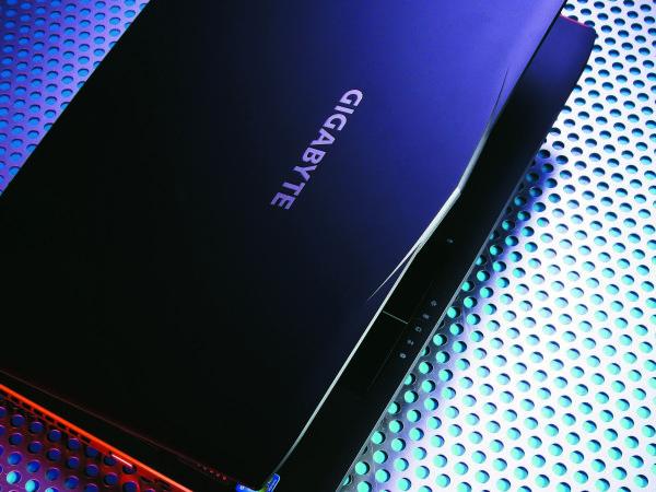 GIGABYTE P55K 評測:硬底子的中階電競筆電