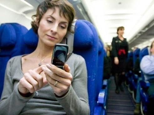 民航局修正草案,9 月起搭乘國際航線將可使用 3C 產品